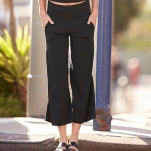 Athleta Globetrotter Wide Leg Ankle Crops